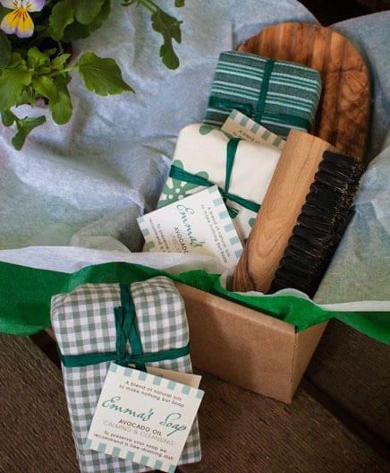 Gardeners-Natural-Soap-Gift-Set-Avocado