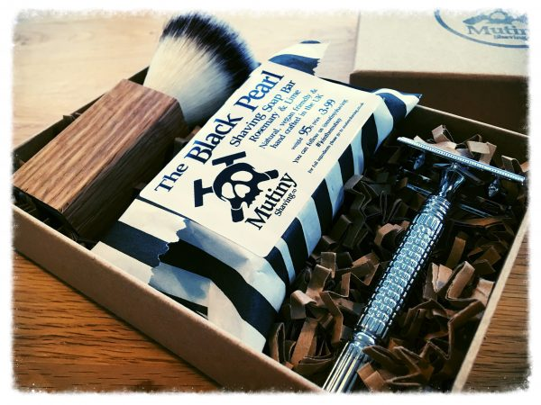 Mutiny Shaving Box – Black