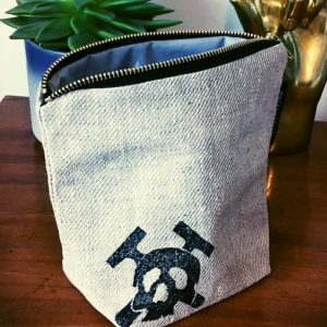 Mutiny Washbag