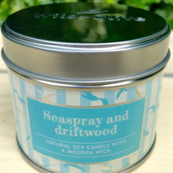 Natural Soy Candle with Wooden wick Seaspray and driftwood